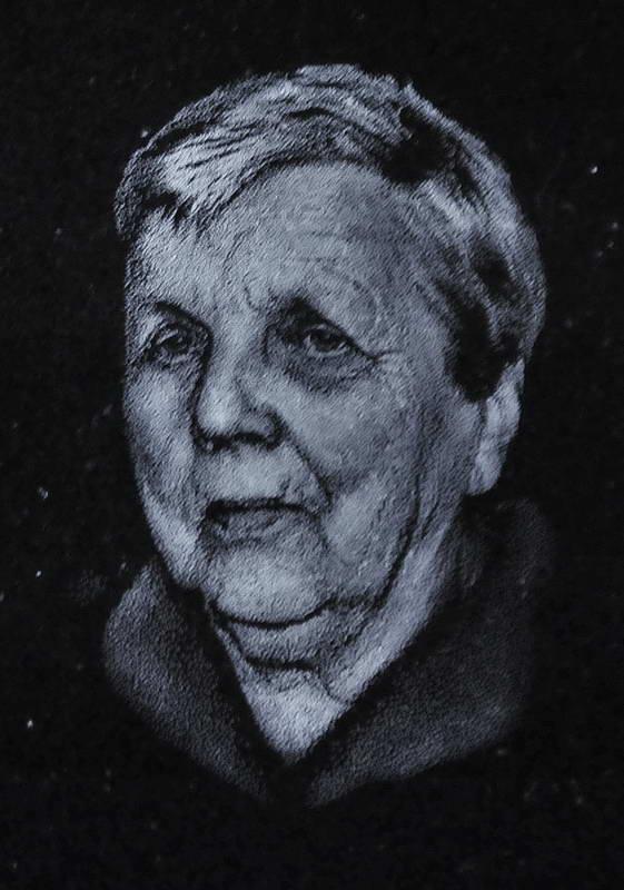 wizerunki grawerowanie w kamieniu portrety kraków 37